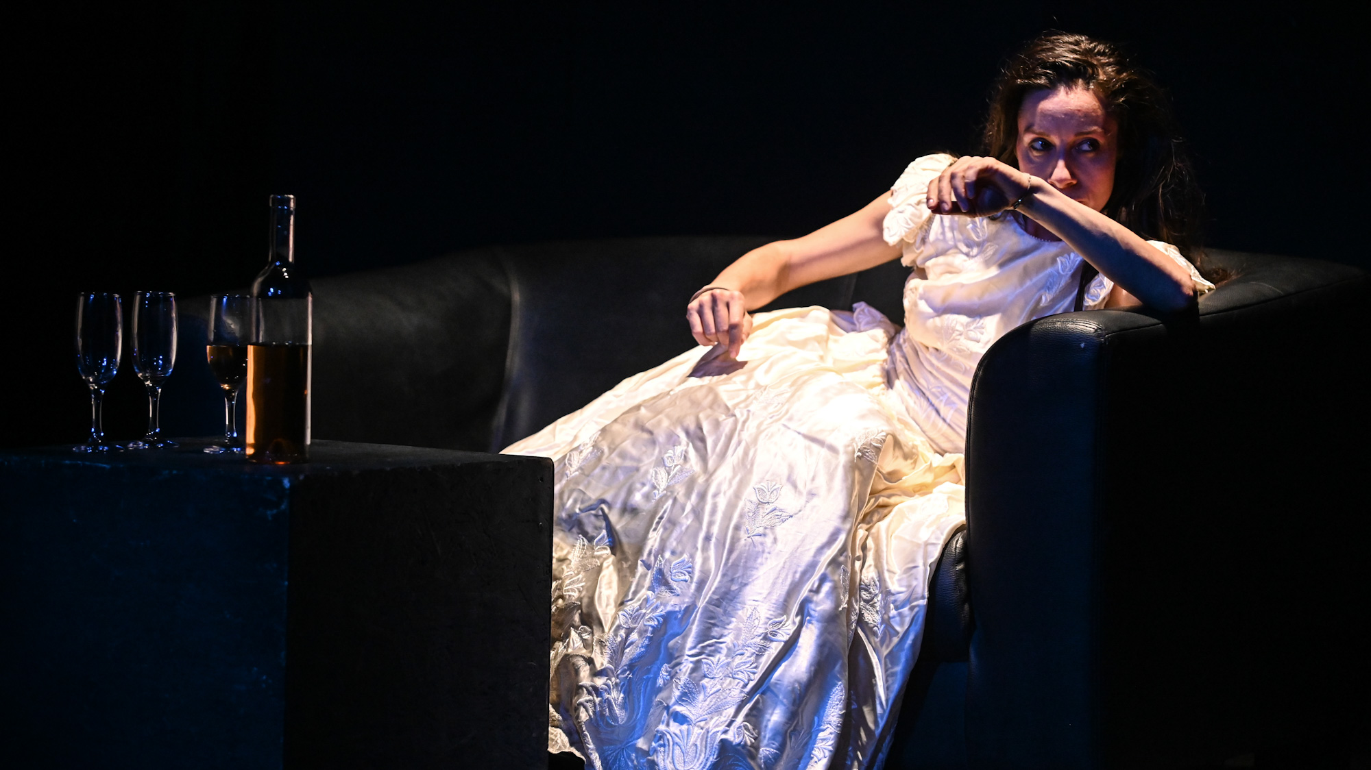 """Teatrul Radu Stanca: """"Femei"""" și """"Zeul carnagiului"""" – premierele lunii martie pe Scena Digitală!"""