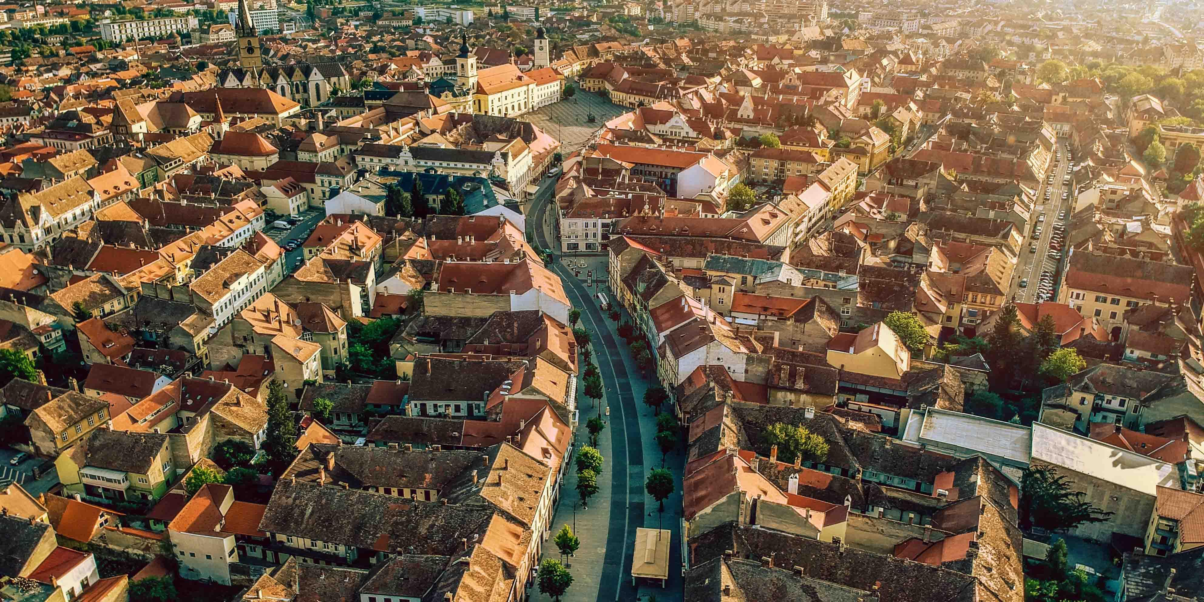 """S-a deschis prima expoziție a Festivalului Internațional de Fotografie """"Focus Sibiu""""  Focus 2020. Piețe goale."""