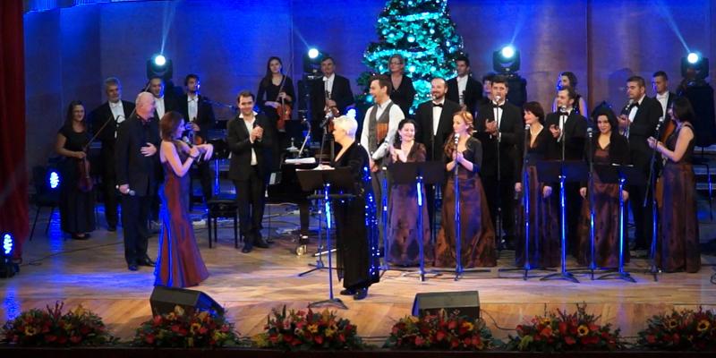 Concert de Crăciun cu grupul vocal Acapella. Monica Anghel şi Nico printre invitaţi