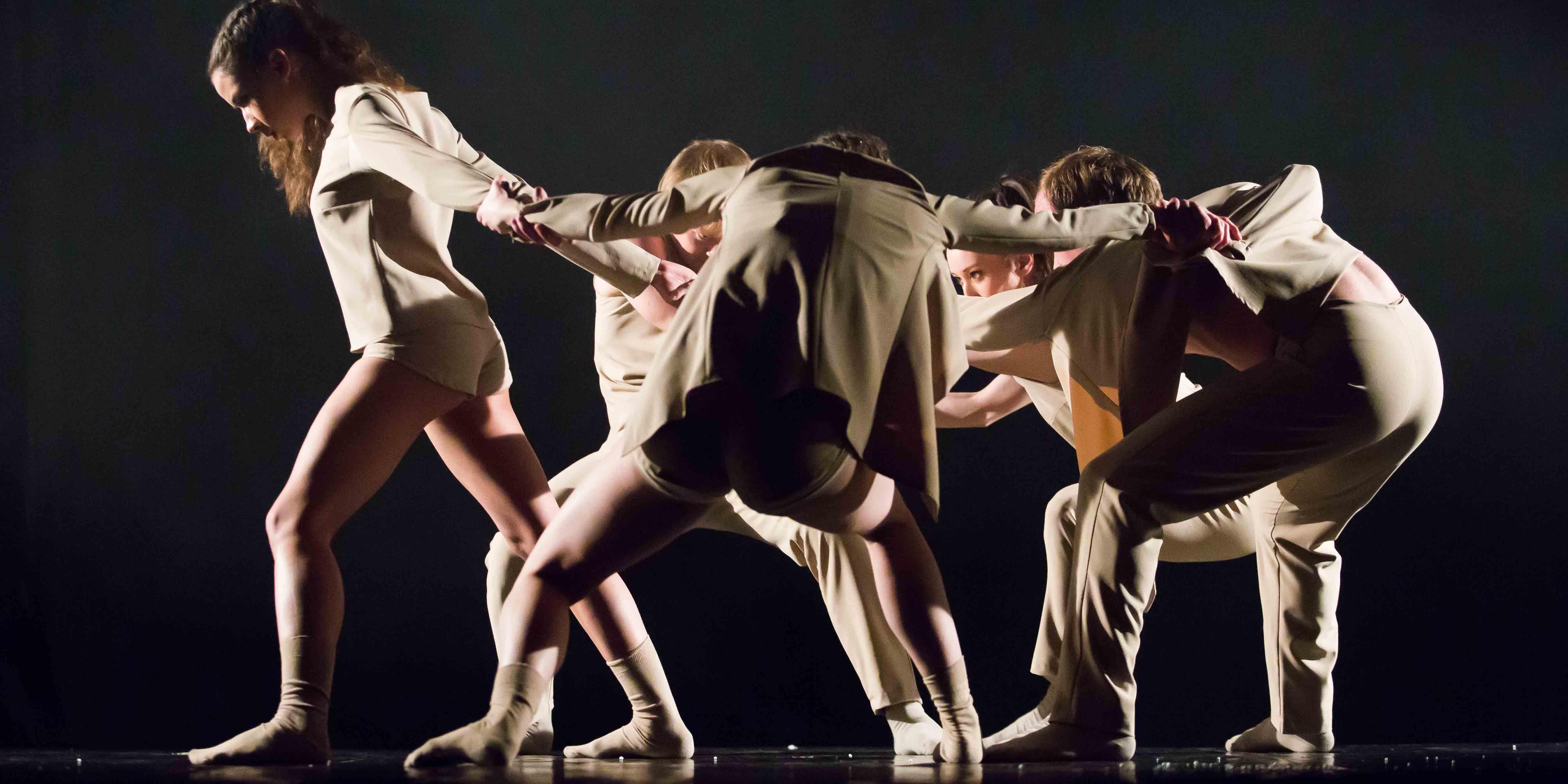 Teatrul de Balet Sibiu face un nou pas înspre dansul contemporan