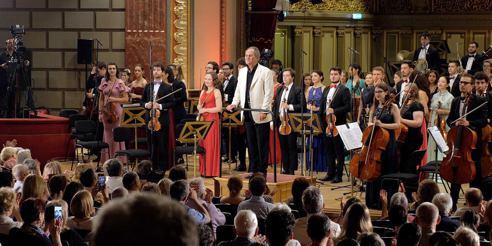 Filarmonica deschide Sala Thalia cu un CONCERT susținut de Orchestra Română de Tineret