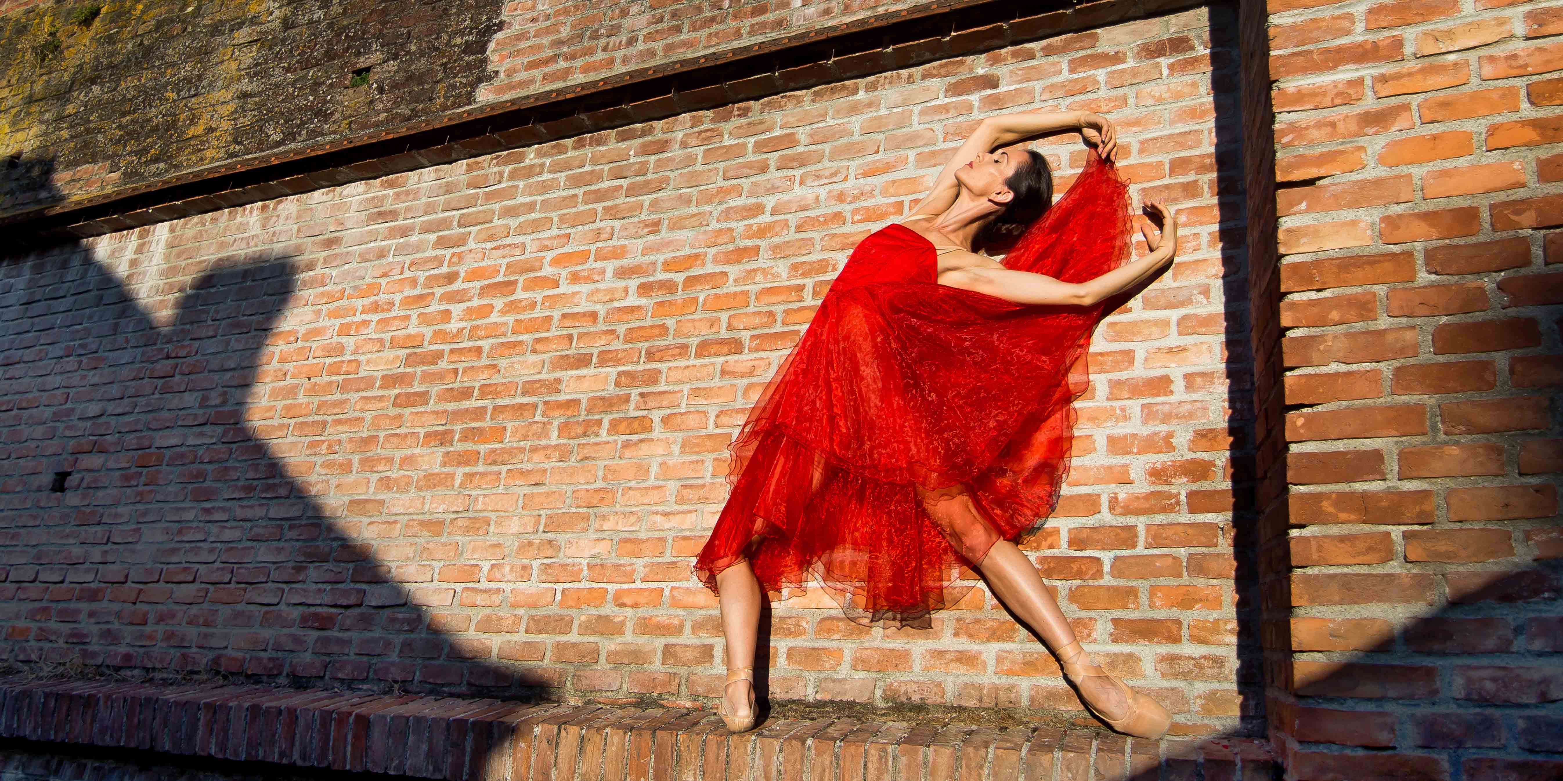 """Premieră de dans contemporan la teatrul de Balet Sibiu - """"Legături.Bolero"""""""