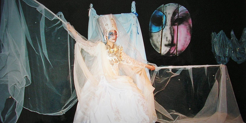 Crăiasa Zăpezii își construiește regatul de gheață  pe scena Teatrului Gong